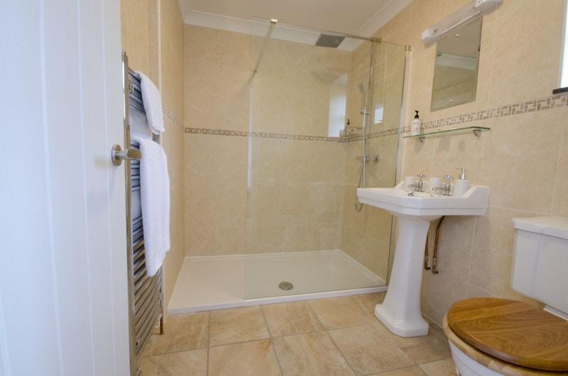 Homestead Farm B&B – Annex Room Detail – Bathroom