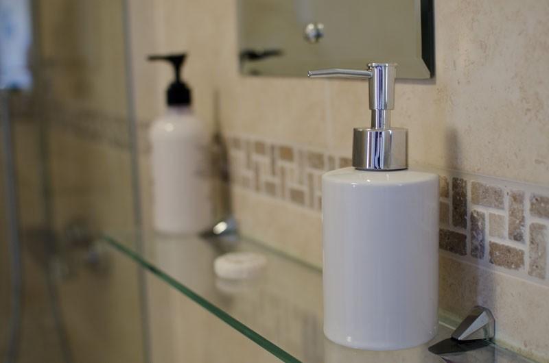 Homestead Farm B&B Detail – Bathroom Bottles